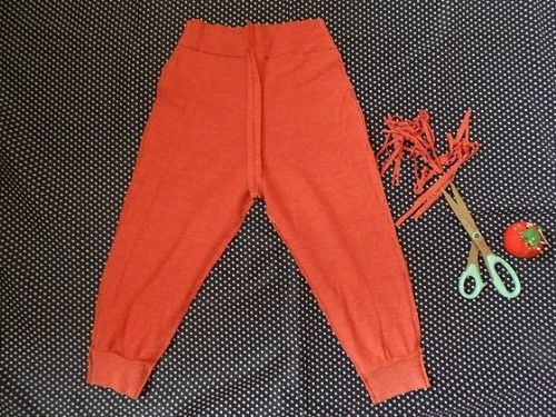 Make kids pants out of old clothes10 500x375