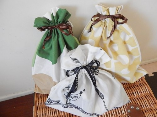 DIY Reusable Drawstring Gift Bag13