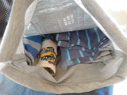 Make A Drawstring Bag From A Tshirt11
