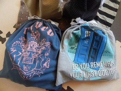 Make A Drawstring Bag From A Tshirt12