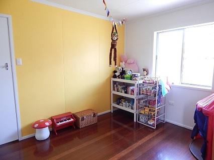 Old House DIY Painting Kids Room22
