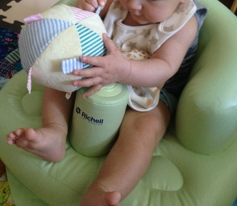 Richell Inflatable Baby Chair8