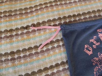 How To Thread A Drawstring19