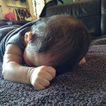 赤ちゃんのうつぶせ・腹ばい練習はいつから?タミータイムのやり方