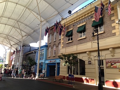 WB Movie World1