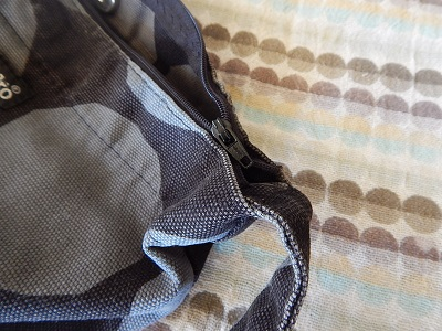 How to Add a Zipper to a Finished Bag20