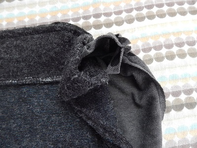 make-a-snood-from-a-sweater29